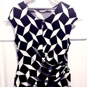 NY&CO Geometric Black & White Keyhole Dress